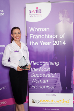 Lisa Suswain, Director of Pet Franchise Wagging Tails, wins Woman Franchisor of the Year 2014